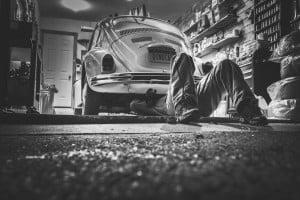 Lage benzineprijs voor oude auto's vaak geen zegen