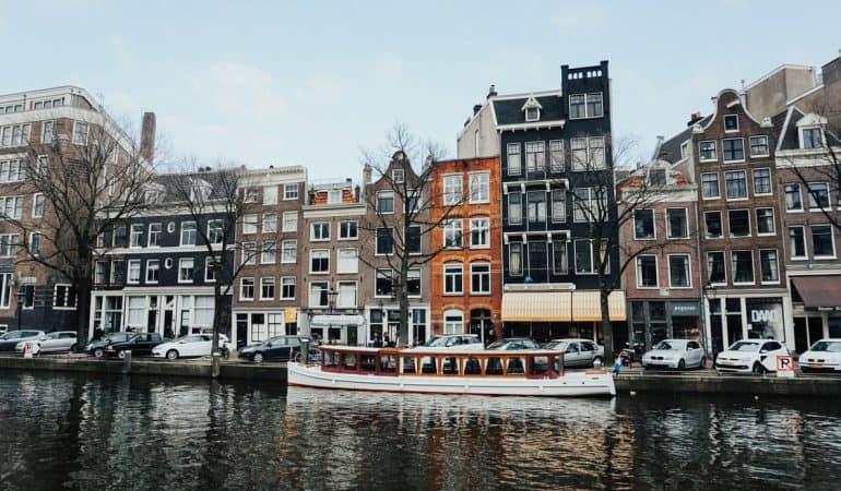 Veel reizigers onbekend met waarde van reisverzekering binnen Nederland